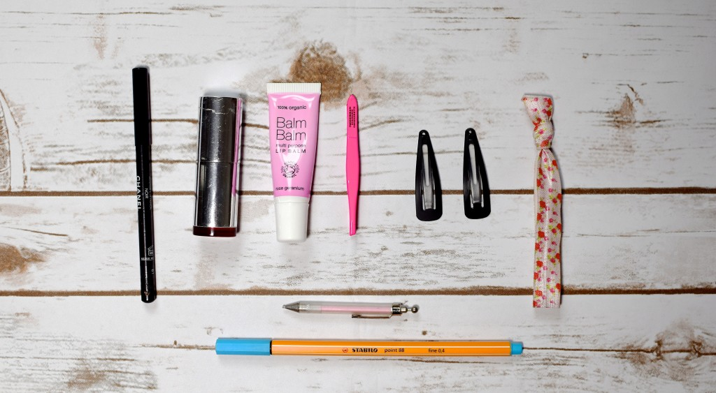 What's In My Handbag {evening edition}