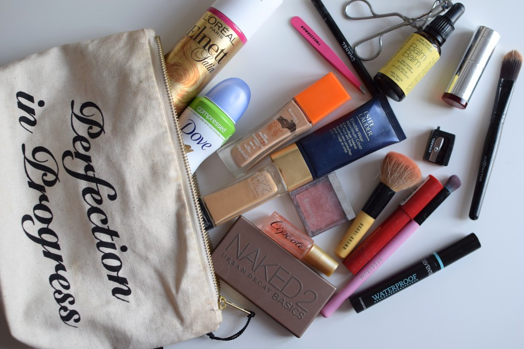 What's In My Make-Up Bag {travel edition}