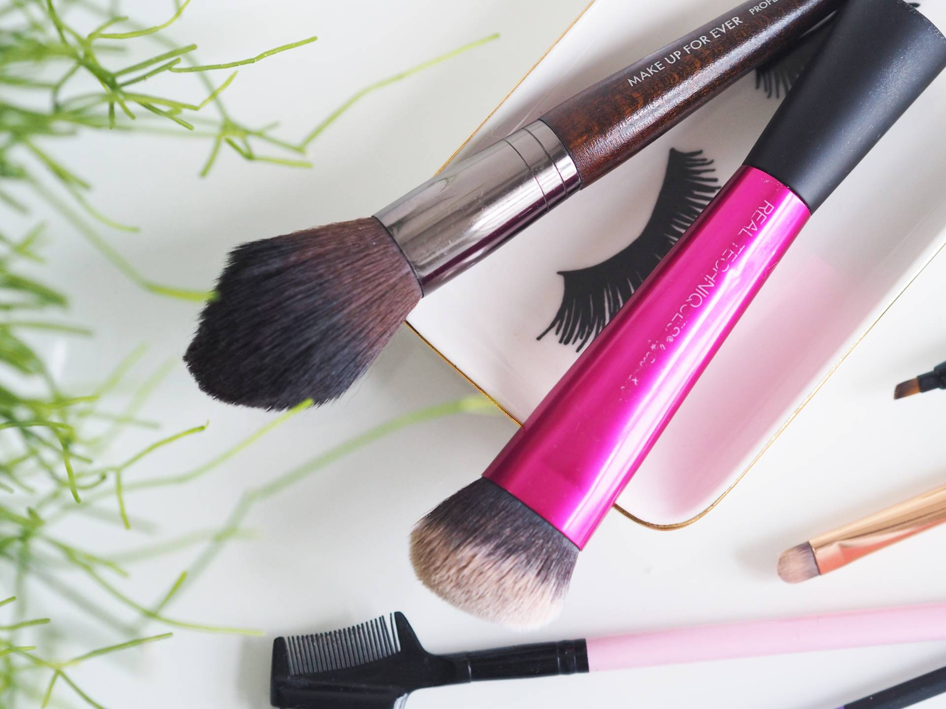 THE ONLY MAKE UP BRUSHES YOU NEED