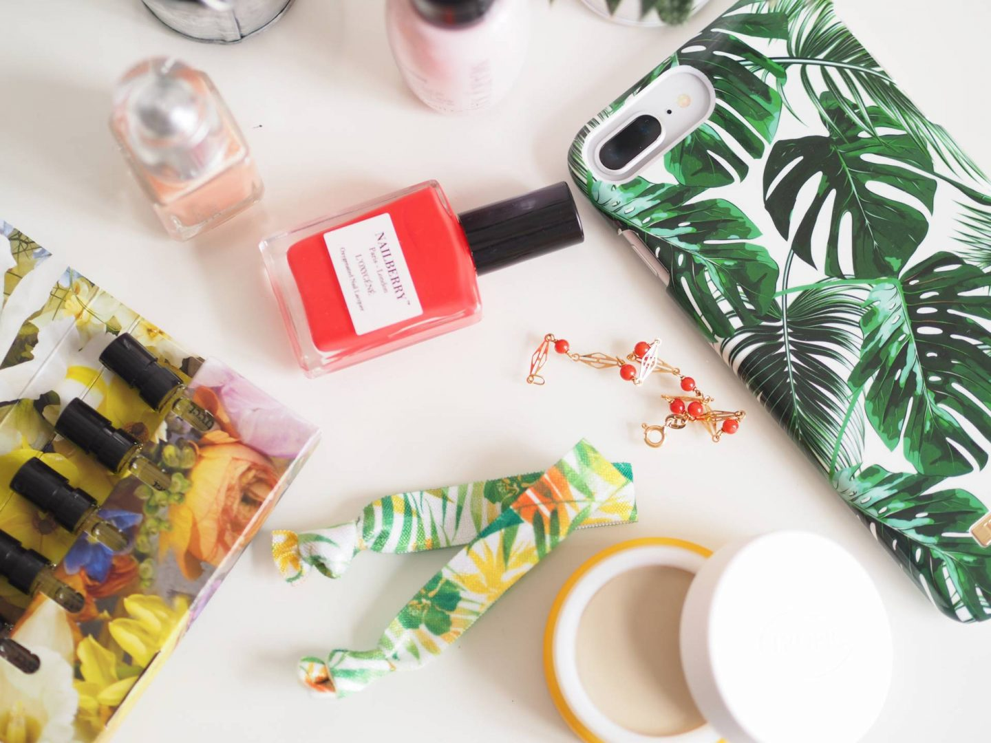 SUMMER HOLIDAY BEAUTY MUST HAVES