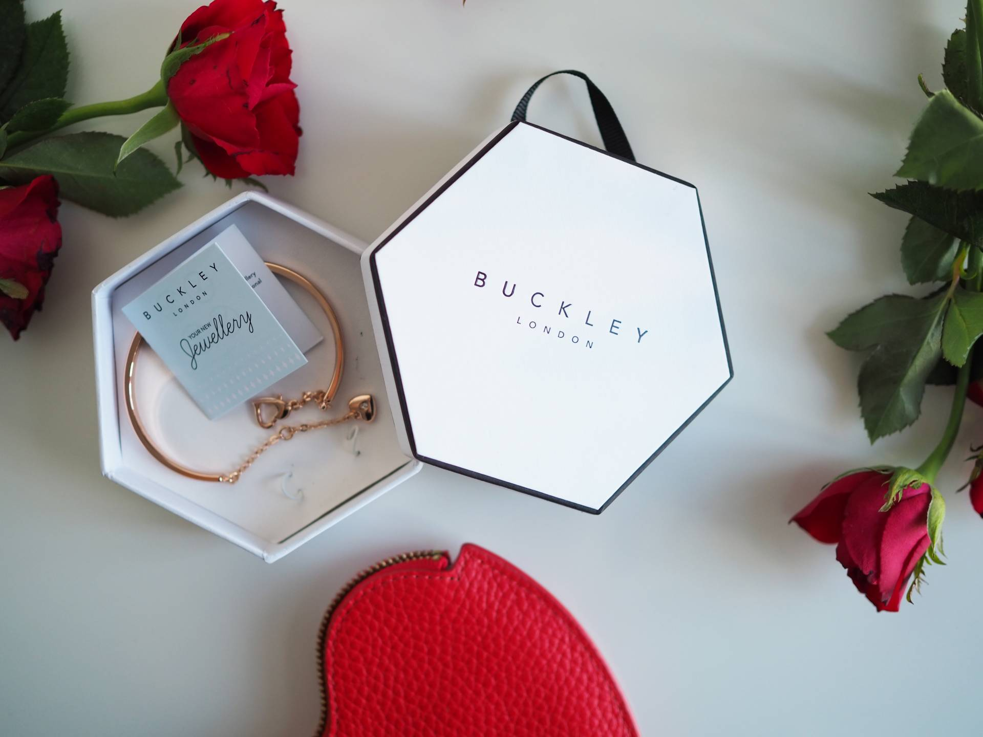 VALENTINE'S DAY GIFT GUIDE | Megan Taylor