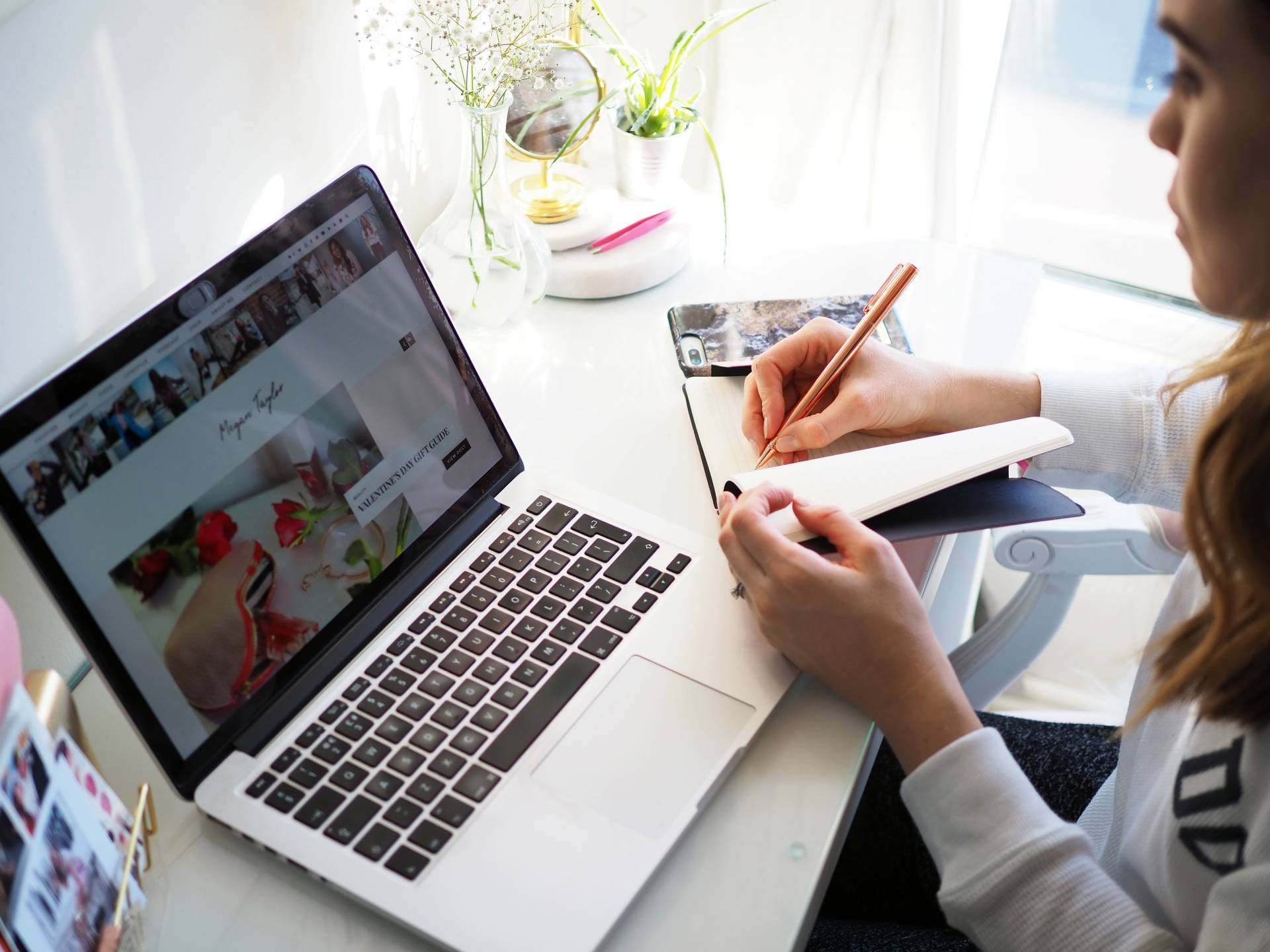 5 TOP TIPS TO BEING PRODUCTIVE WHEN WORKING FROM HOME | Megan Taylor