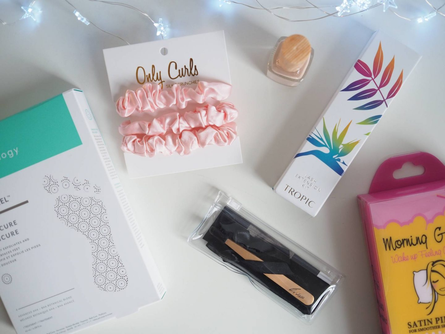 STOCKING FILLERS & SECRET SANTA GIFTS | Megan Taylor